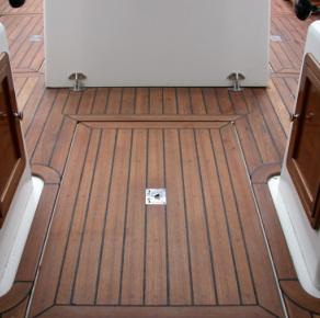 Patriot teak deck with square corners