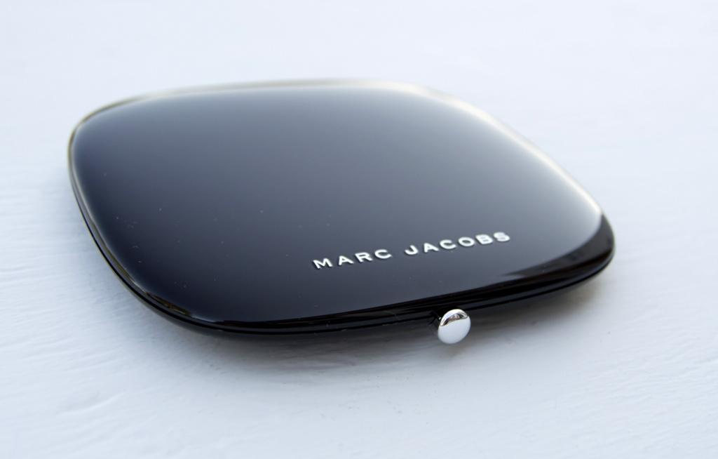 marc jacobs beauty omega bronze inhautepursuit review