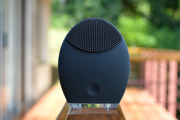 LUNA MEN FOREO cleansing sonic device gift guide inhautepursuit review