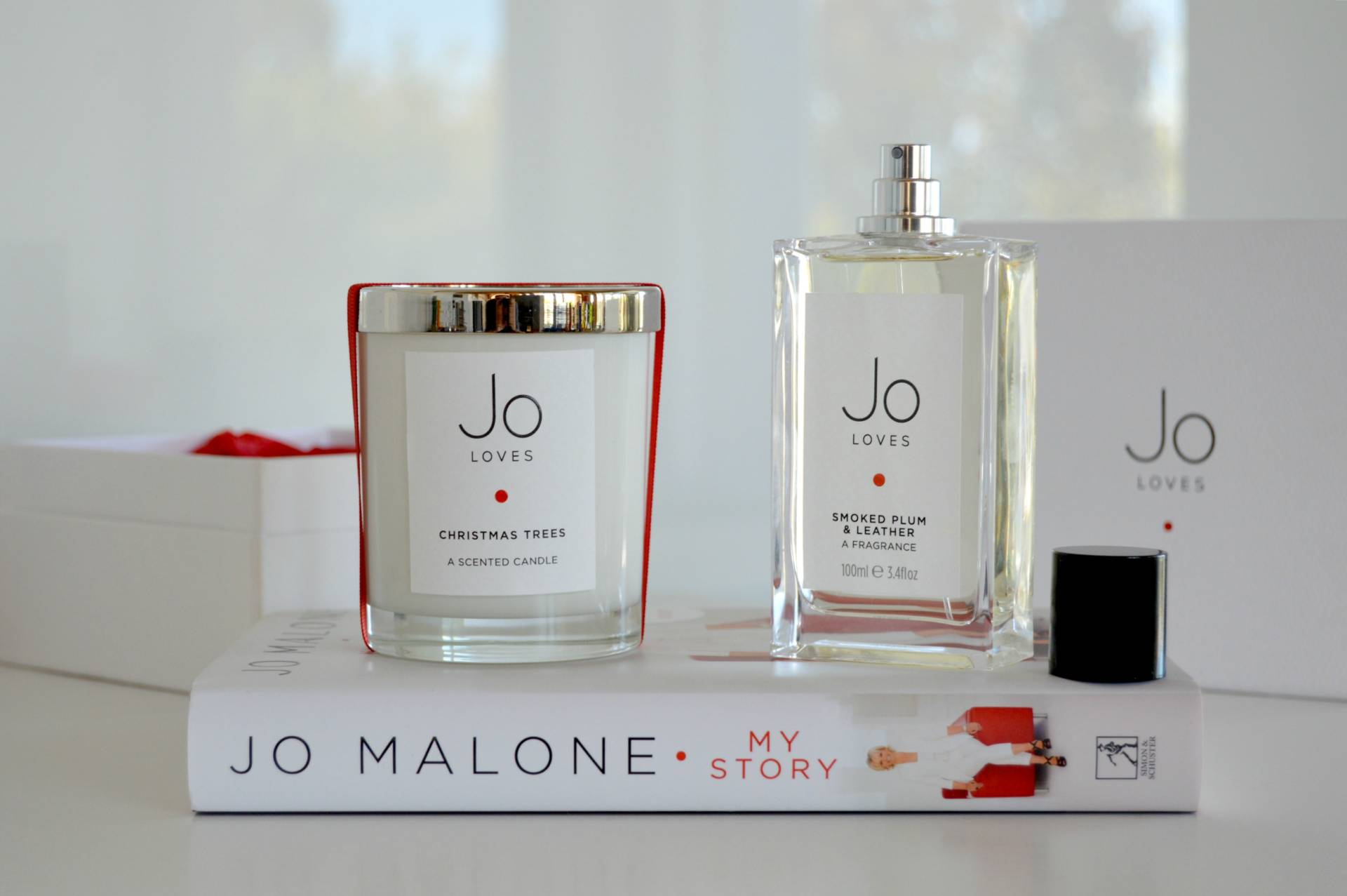 jo-loves-malone-my-story-book-christmas-candle-smoked-plum-leather-fragrance-review