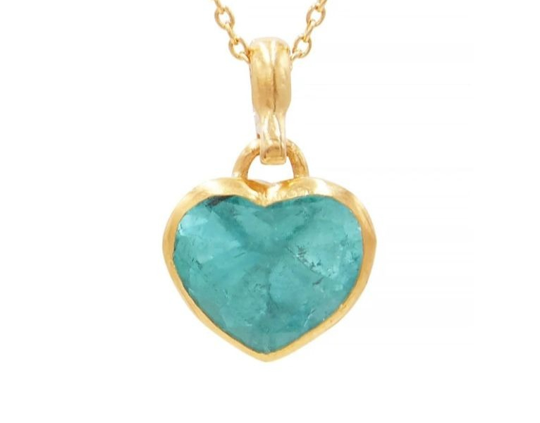 Pendant necklace in 22k gold with heart-shape emerald by Gurhan