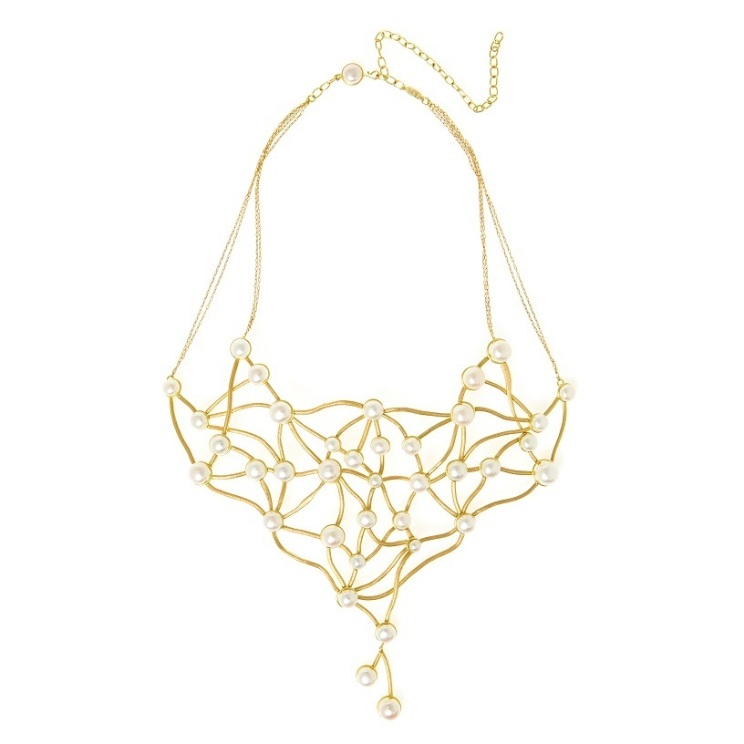Van Gogh's Rosebush necklace with 18k yellow gold and freshwater biwa button pearls by Larissa Moraes, designer and president of Larissa Moraes Jewelry, Brazil