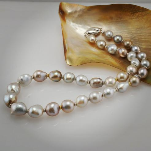 The Pteria Penguin pearl strand Cathy bought from Kojima Pearl