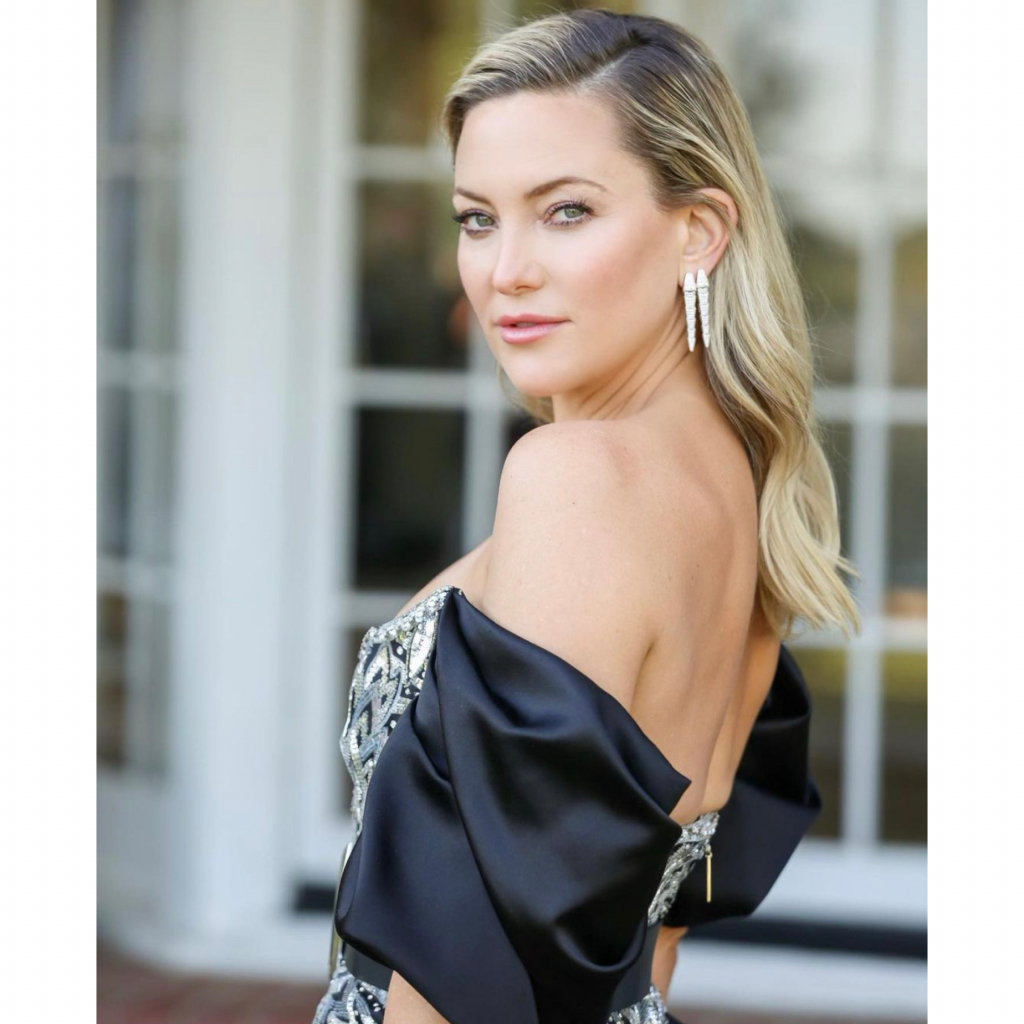 "Kate Hudson in Bulgari Serpenti Viper earrings. Hudson was a presenter and a nominee for Best Actress – Motion Picture – Musical/Comedy, for her role in ""Music."" Source: @katehudson"