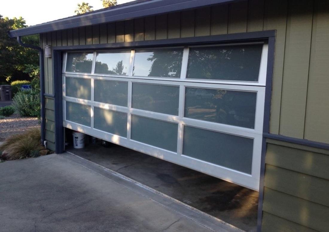5 popular garage door styles Austin Texas