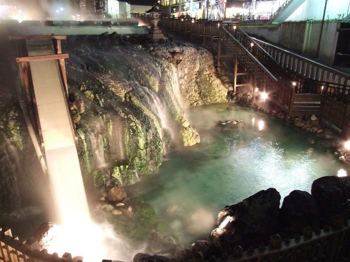 Kusatsu Onsen Yubatake night