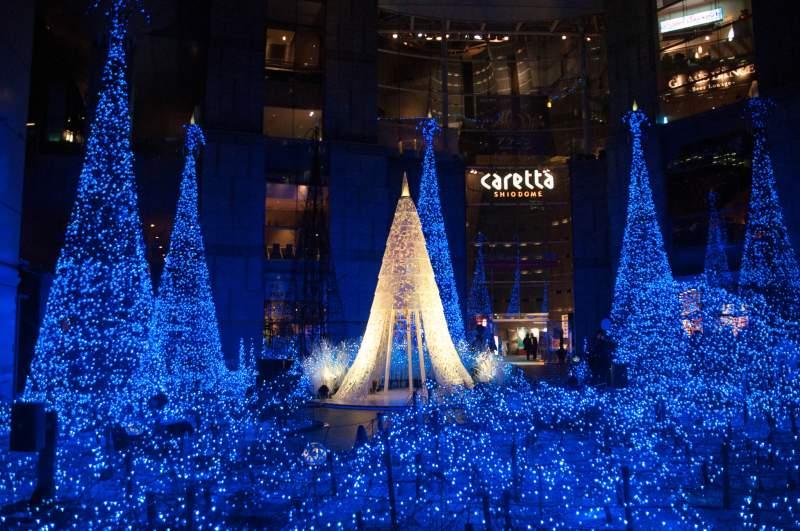 Tokyo Shiodome holidays lights