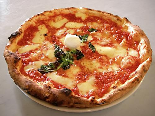 Eq_it-na_pizza-margherita_sep2005_sml 2