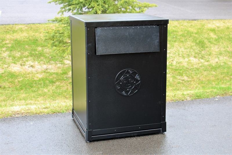 Garbage Can Enclosure _Sonnenalp