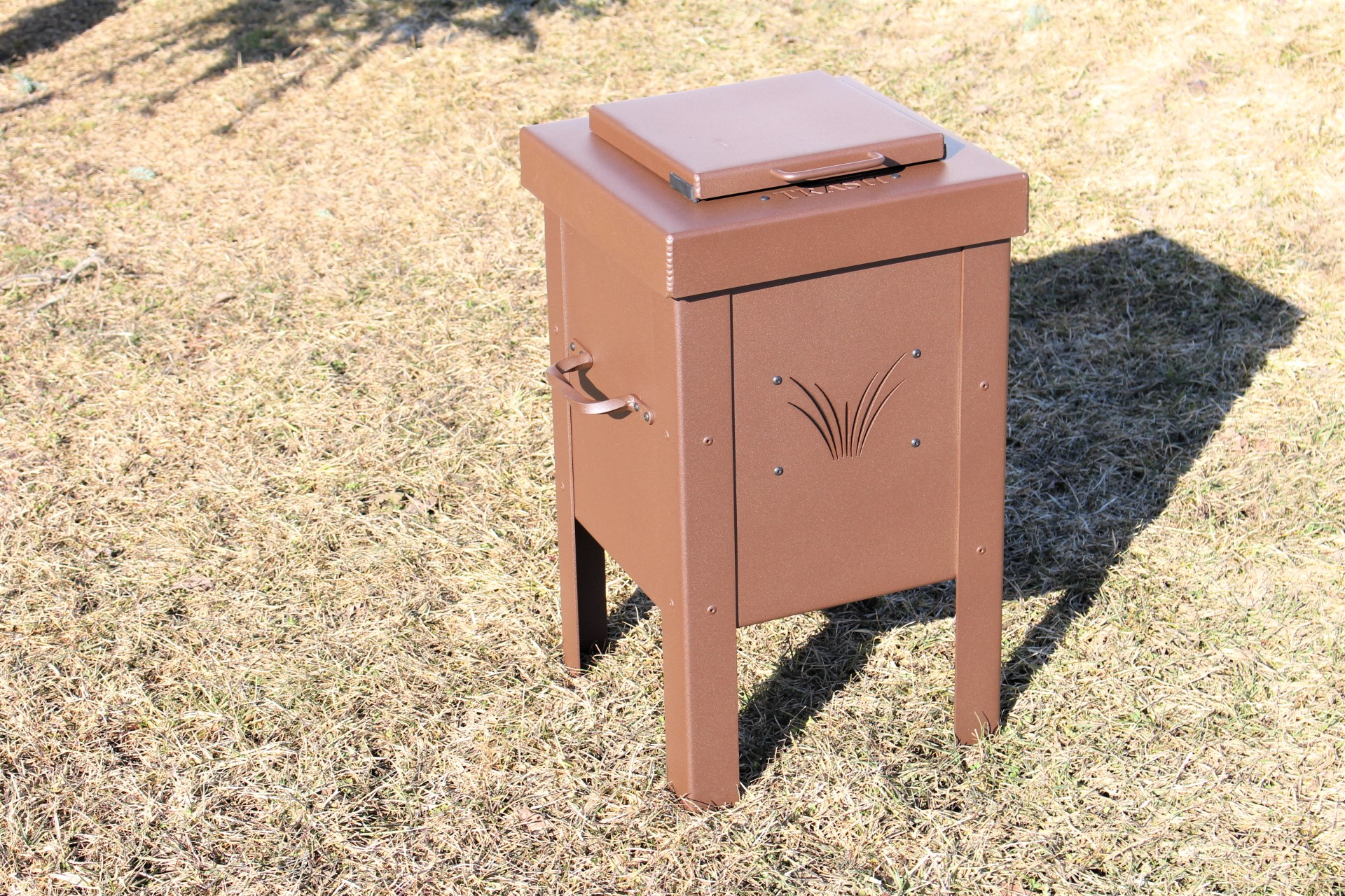 Small-Trash-Can-Windsong-Farm-GC