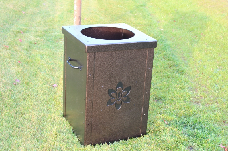 Trash Cans for Golf Courses -Wachesaw