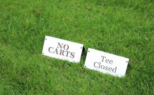 course-directional-signs-spanish-oaks