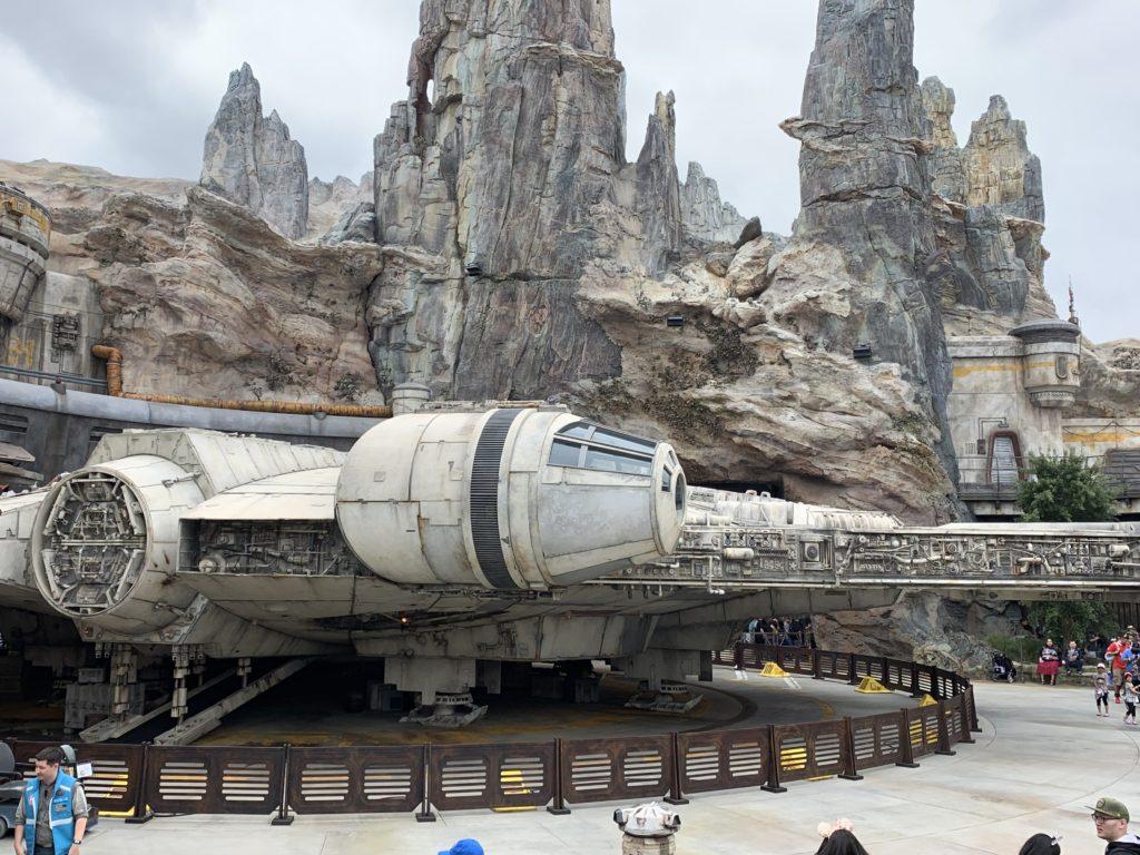 Millennium Falcon - Star Wars: Galaxy's Edge - Disneyland
