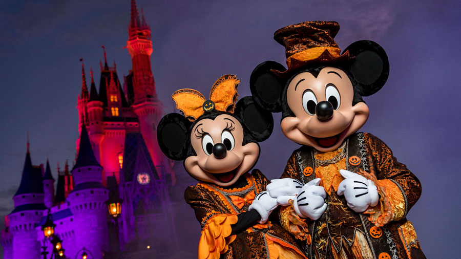 """Mickey & Minnie at Mickey's Not So Scary Halloween Party - Our 5 Favorite """"Not So Scary"""" Disney Moments"""
