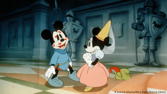 Mickey and Minnie in love - Mickey & Minne - The Mice That Started It All