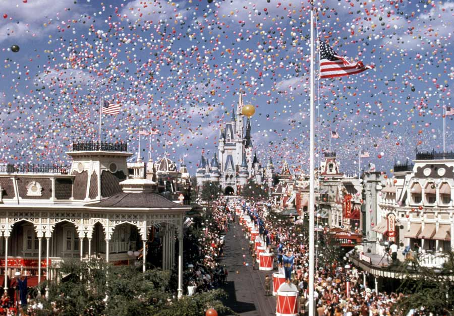 Magic Kingdom's opening day celebration - Countdown to Walt Disney World's 50th Birthday - Part 1 - DIsney's Map to the Magic, Kingdom