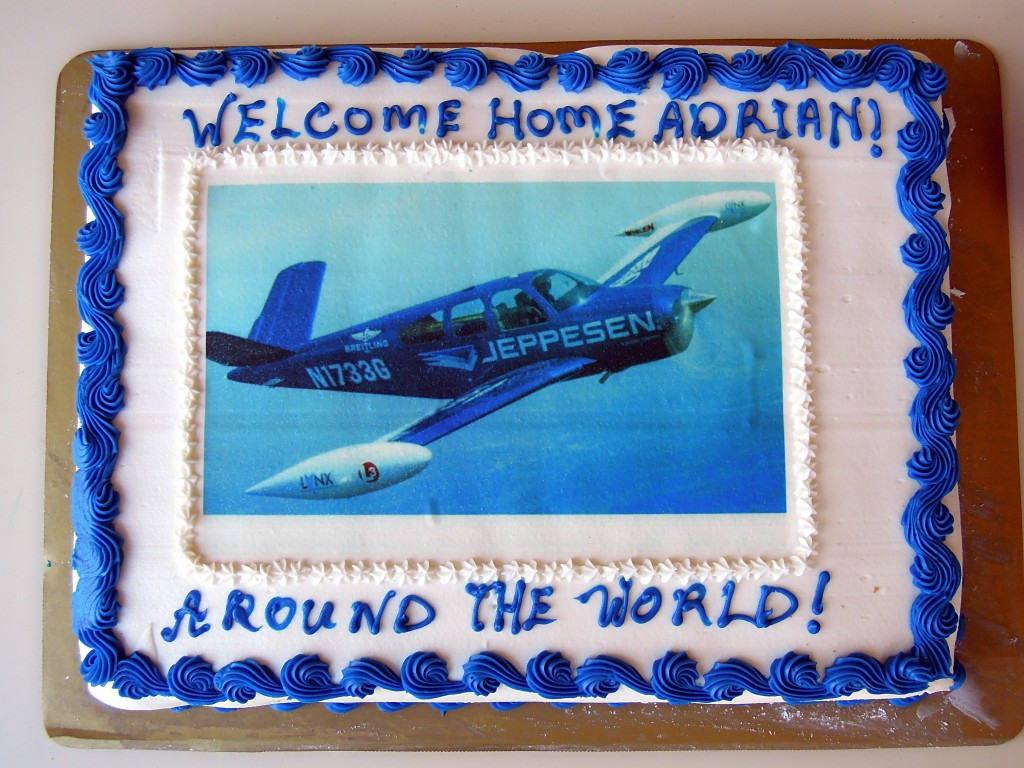 DSCN2368a Adrian Eichhorn cake at KHEF after round-the-world flight in N1733G