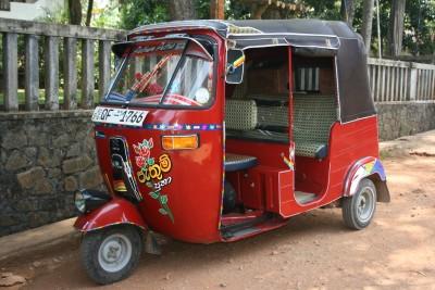 cheap travel in Sri Lanka