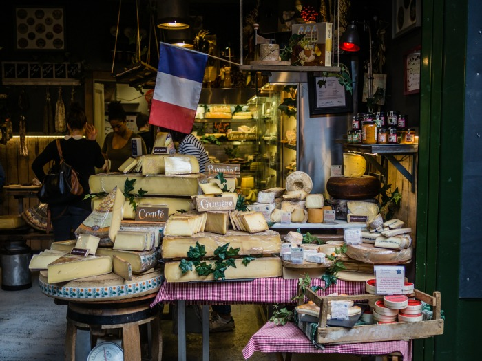 Looking for a travel guide to France? Click through for an ex-pat's best France travel tips - what to do, where to go, and how to do it all cheaply, safely, and respectfully!