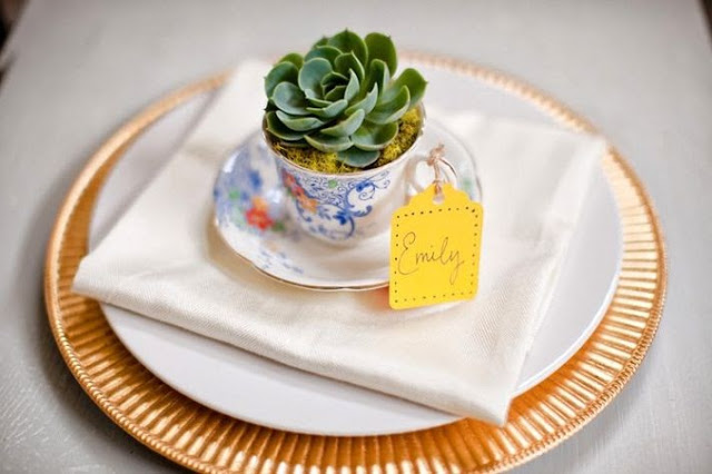 Crafts with tea cups