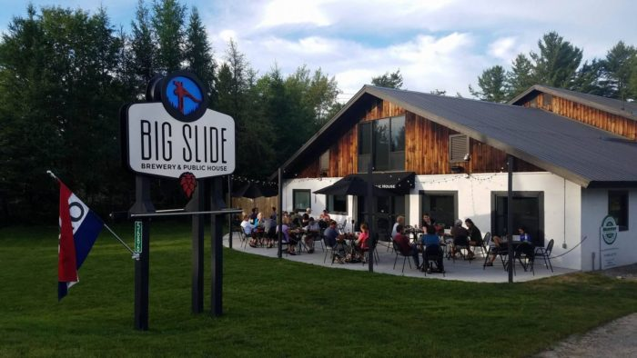 Looking for Adirondack travel tips? I've got from-a-local travel advice about where to eat, what to do, and where to stay in the Adirondacks. Click through and start planning your trip today!