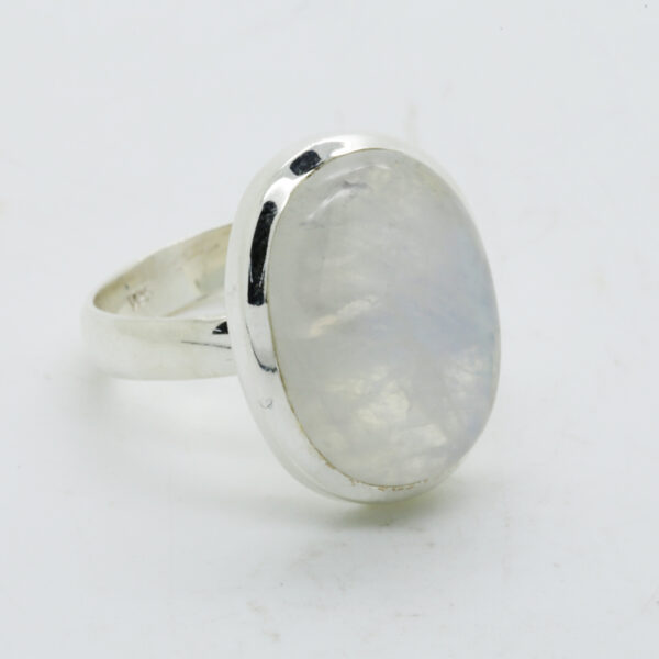 Bluefire Rainbow Moonstone Oval-Shaped Ring in Silver