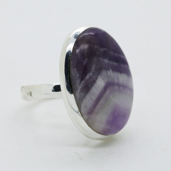 Amethyst Lace Oval -Shaped Ring in Silver