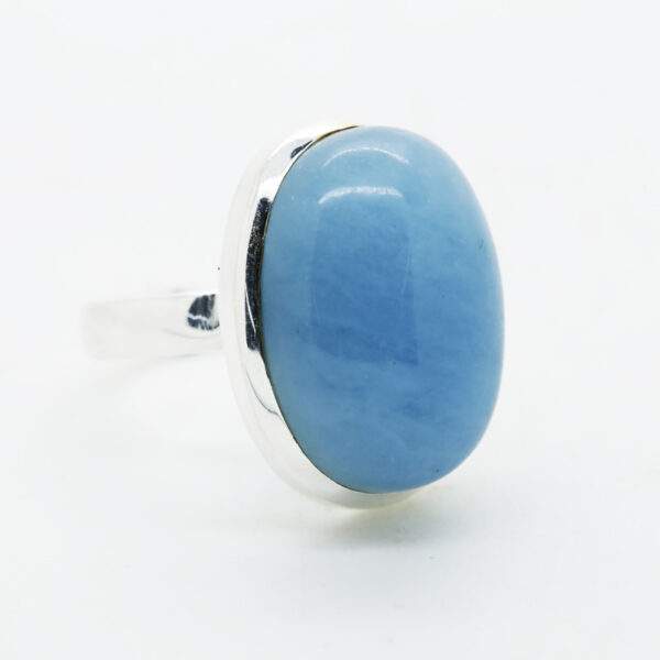Aquamarine Oval-Shaped Ring in Silver