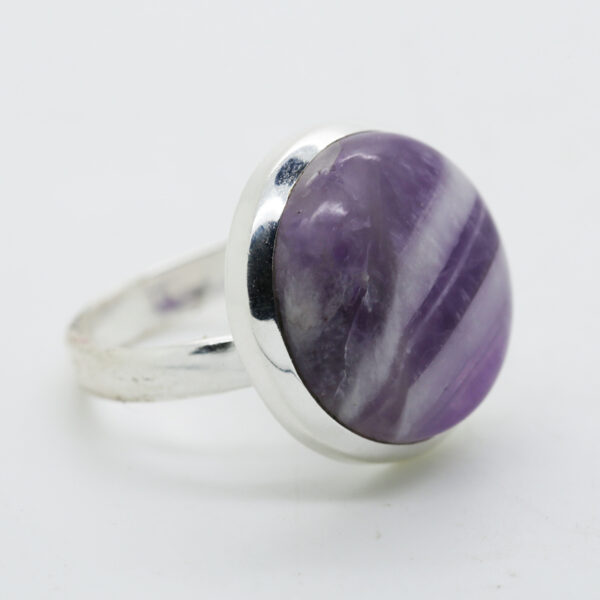 Amethyst Lace Round-Shaped Ring in Silver