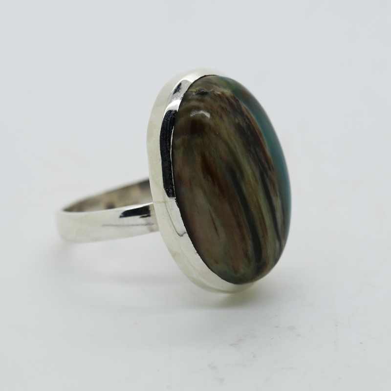 Colla Wood Oval-Shaped Ring in Silver