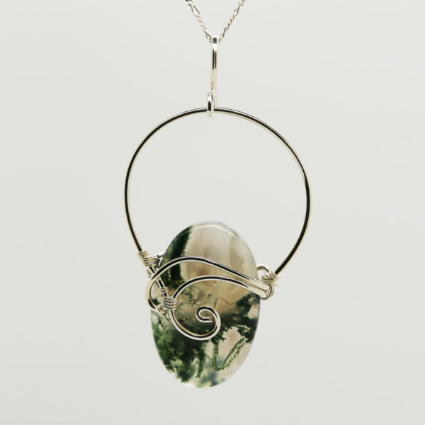Moss Agate Oval-Shaped Pendant in Silver