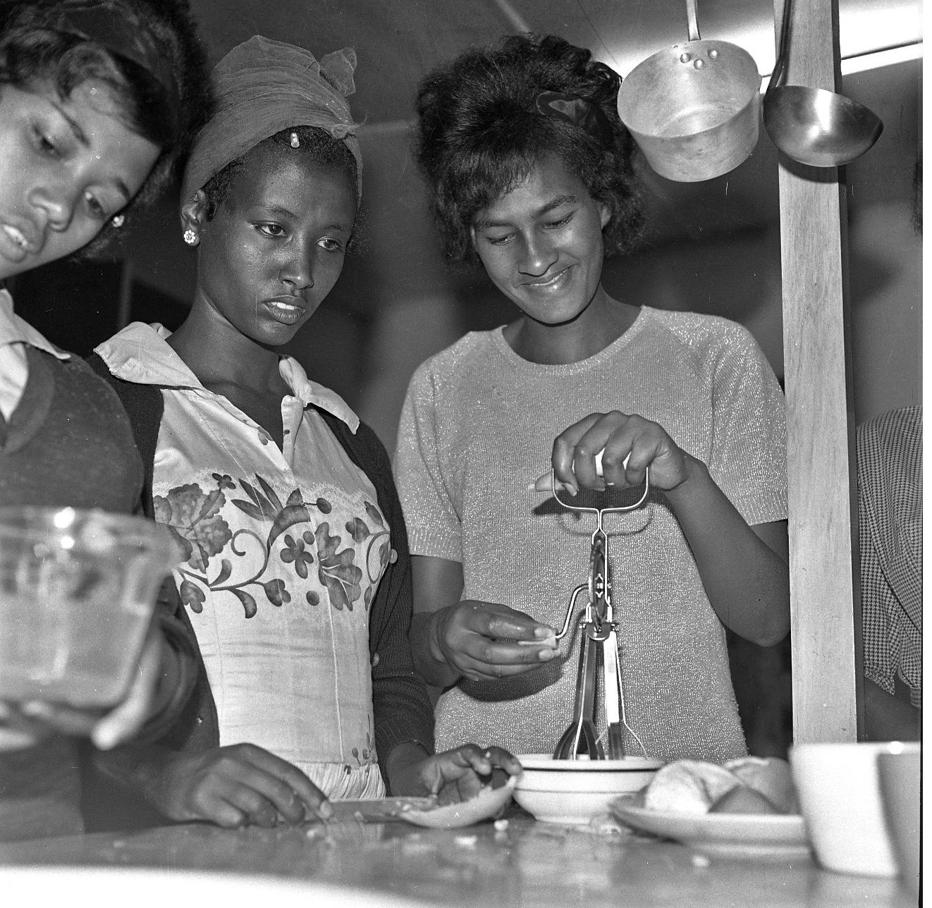 TMS-Students Circa-1964_2