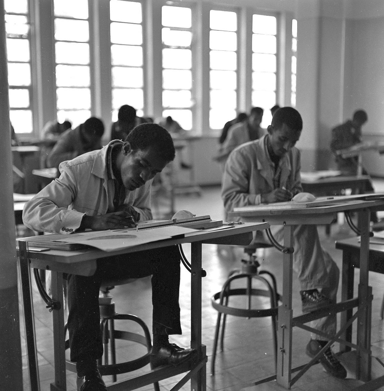 TMS-Students-Photo-2-taken-1963-1965_9
