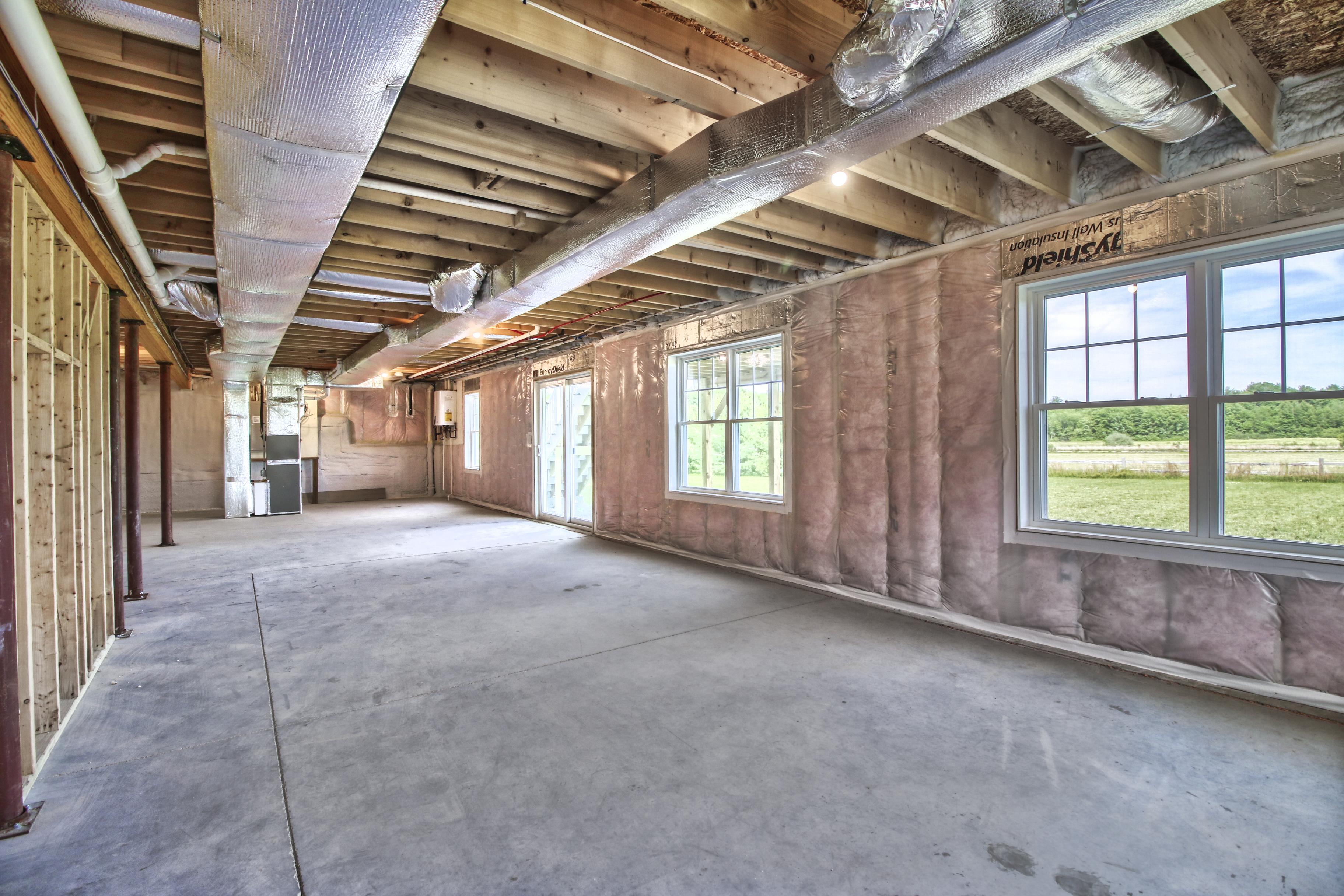 Interior insulation installation of a first-floor establishment