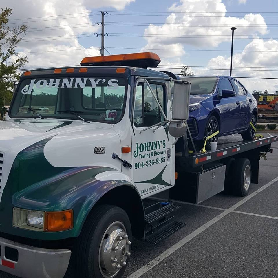 Tow Truck Service, Medium Hauling, Light Hauling, Breakdown on Roadside