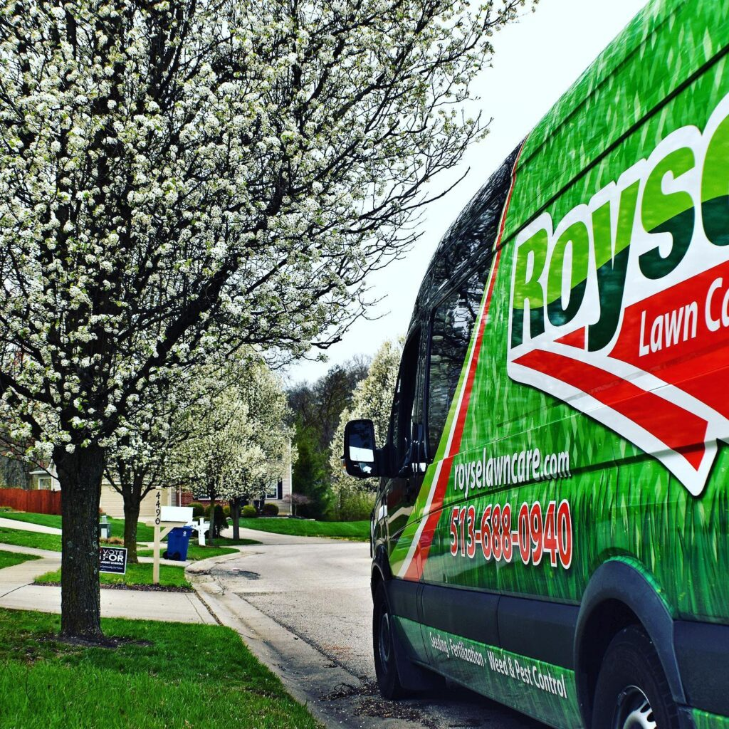 Royse Lawn Care Cincinnati residential and commerical lawn care