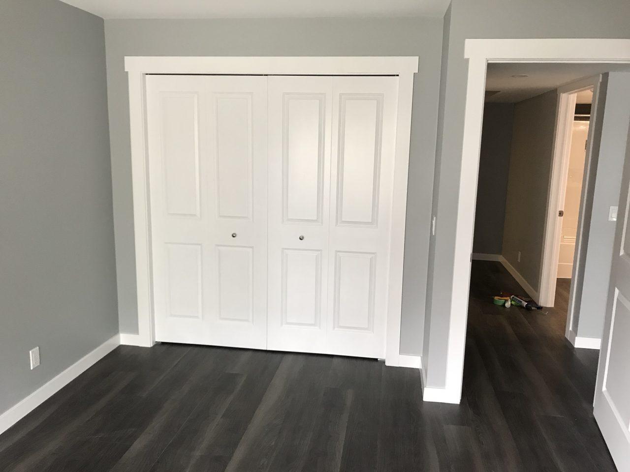bedroom-closet