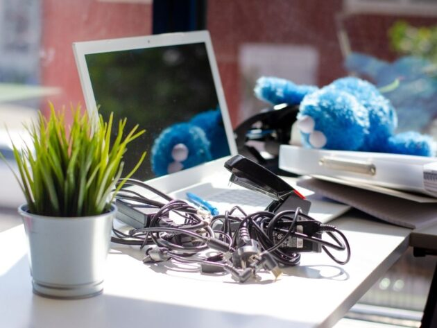 Reasons Why You Should Clear Your Cluttered Home
