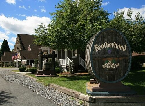 Winery tours in Orange County NY with Hudson Valley Trips
