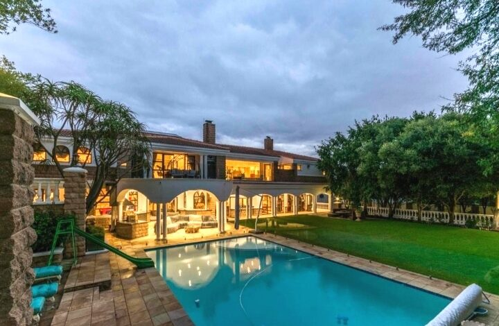 This Luxurious House In Dainfern Golf Estate Is Selling For R 17 000 000!