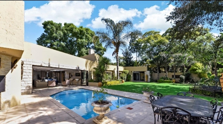 This 4 Bedroom Home Is Selling For R 9 999 999!