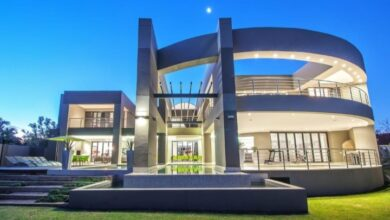 This 7 Bedroom House In Waterkloof Ridge Is Selling For R19 500 000!