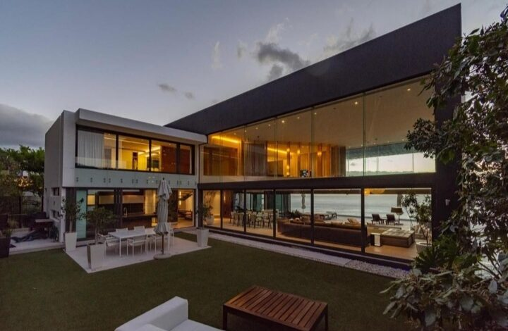 This 5 Bedroom House In Clifton Is Selling For R 172 500 000!