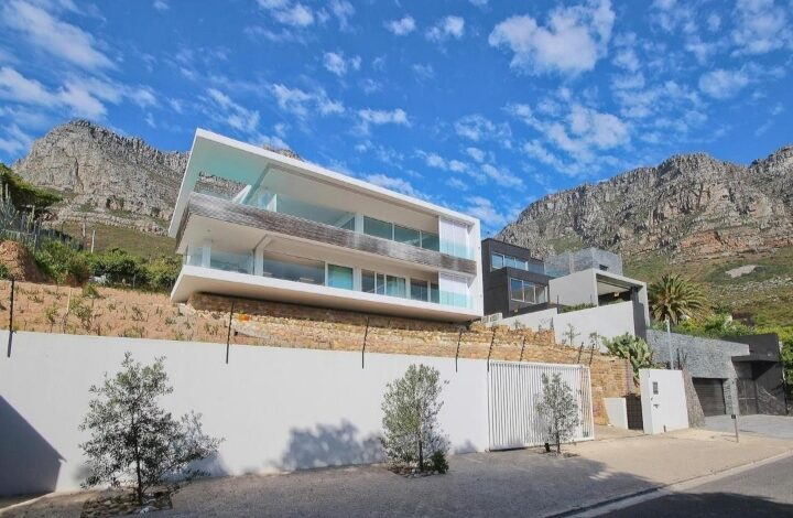 This Family Home With Unmatched Views Is Selling For R 33 000 000!