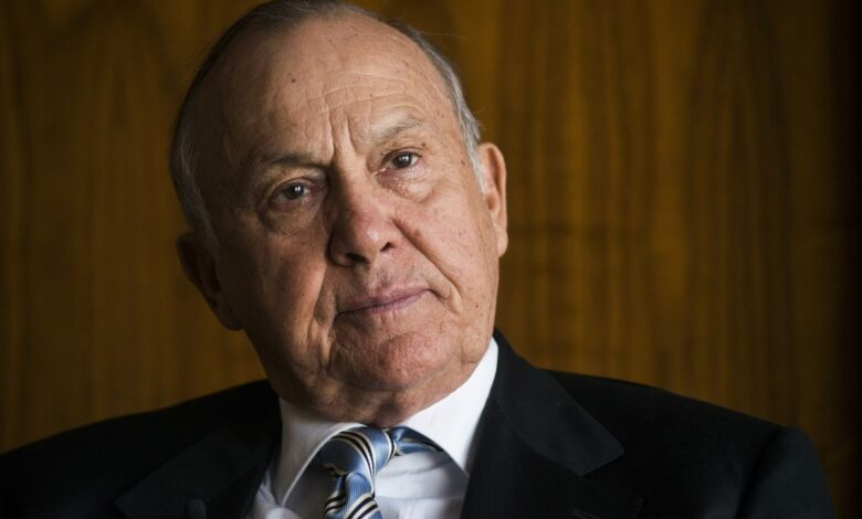 Businesses Owned By Christo Wiese