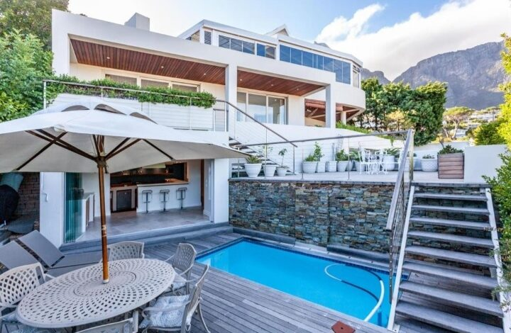 This Home With Exquisite Views In Camps Bay Is Selling For R 14 500 000!