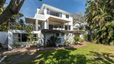 This Home In Wind-Protected Glen Is Selling For R19 995 000!