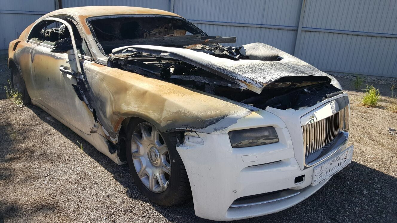 Things we can do with Wrecked cars - Sell car for cash   Sellthecars