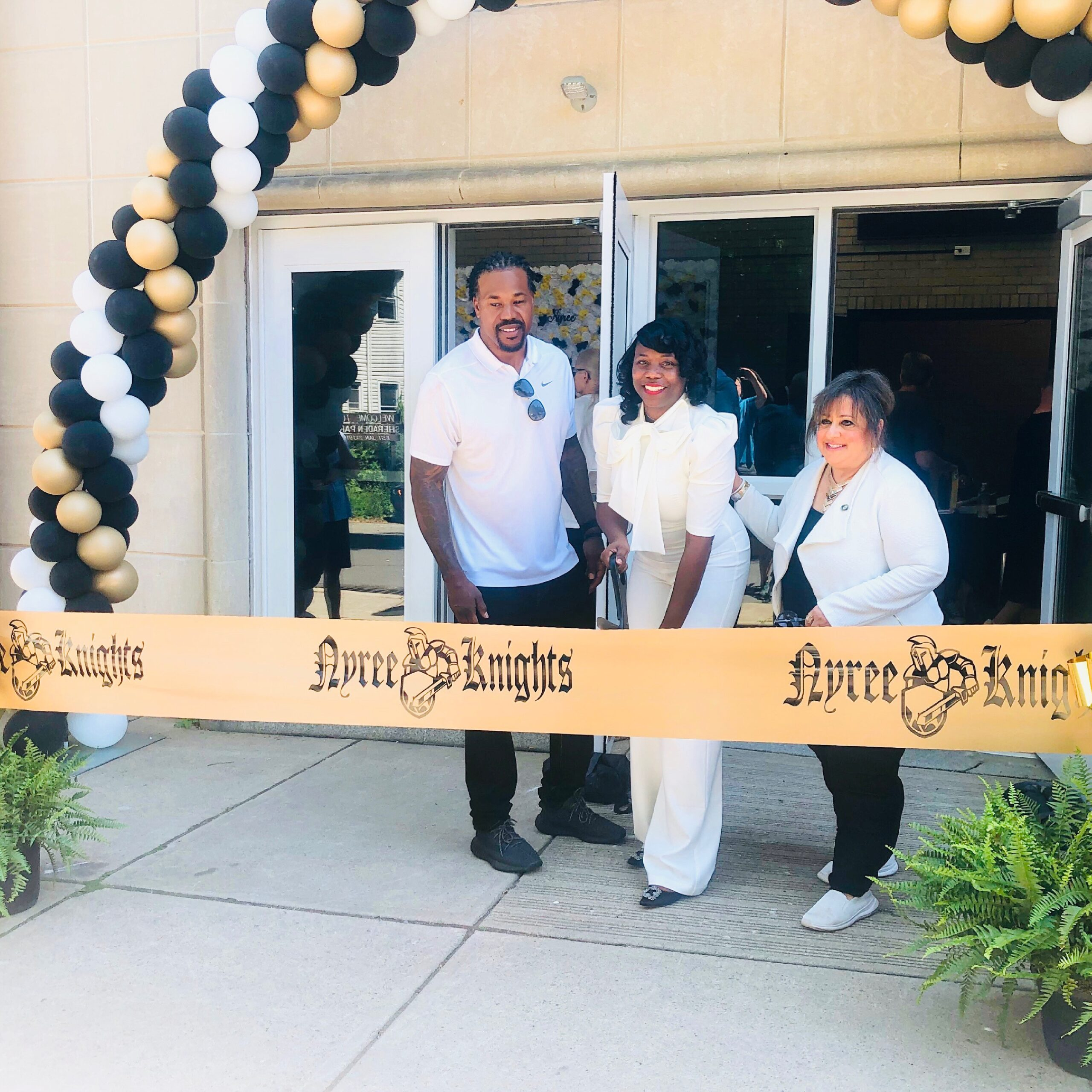 Former Pittsburgh Steeler Joey Porter & Wife, Christy Host Grand Opening of Community Campus in Sheraden