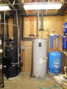 Water holding tank, hot water tank, buffer tank